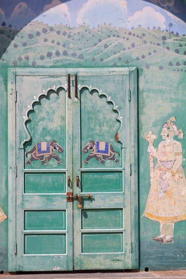 装饰的印地安门道入口和周围 图库摄影