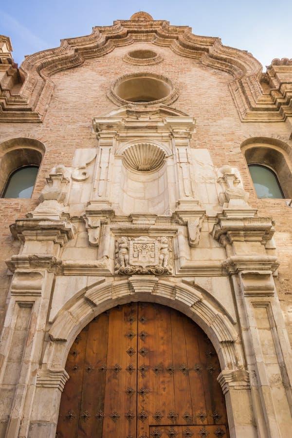装饰的历史教会门面在塔拉索纳 免版税库存图片