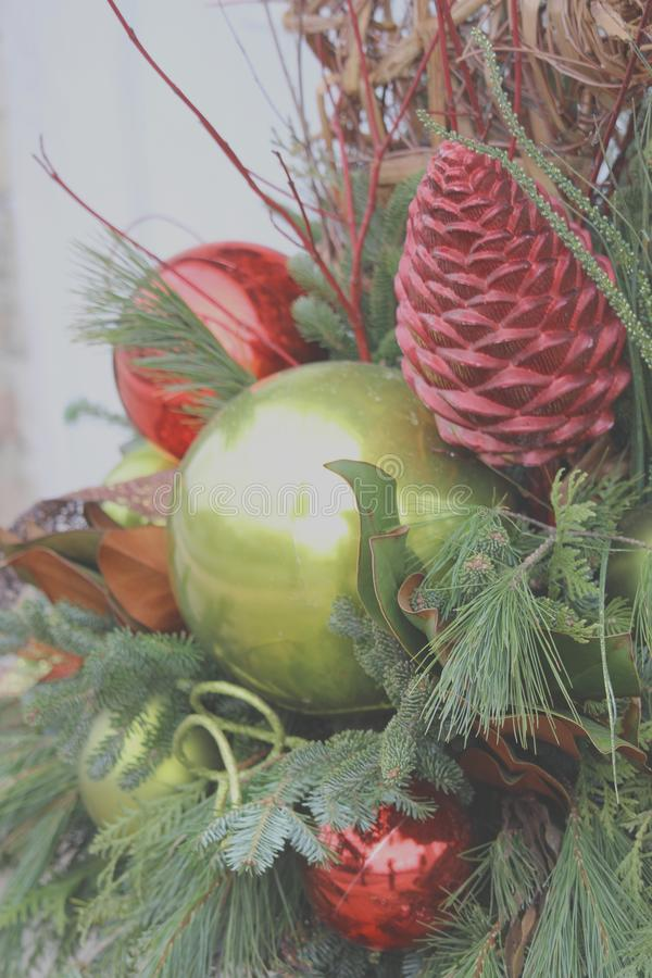 装饰的圣诞树装饰品关闭 库存照片