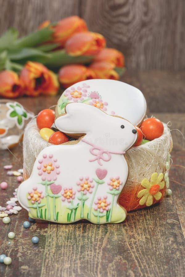 装饰的复活节曲奇饼 库存照片