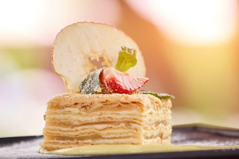 装饰的蛋糕,关闭  免版税库存图片