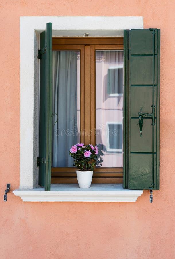 装饰的视窗 Burano 威尼斯 免版税库存照片