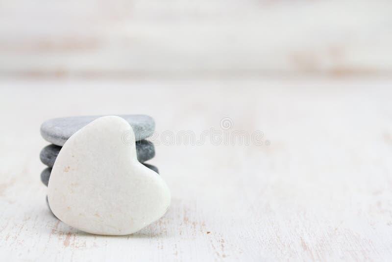 装饰石心脏 免版税库存图片