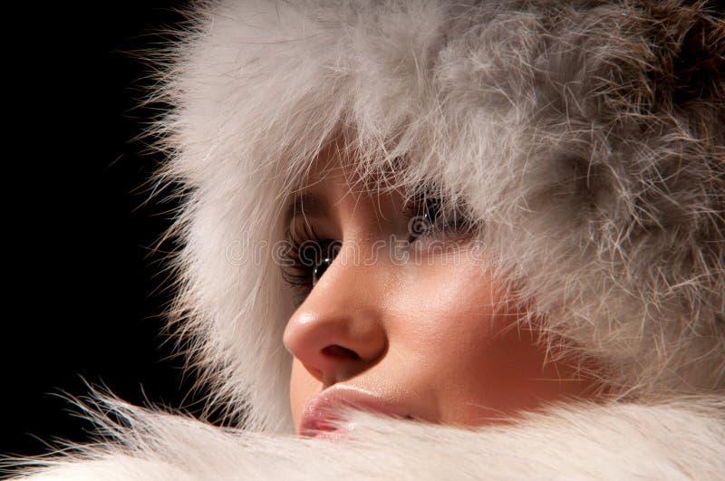Download 裘皮帽妇女 库存照片. 图片 包括有 人力, 视图, 有吸引力的, 毛皮, 空白, 前面, 方式, 眼睛 - 22352944