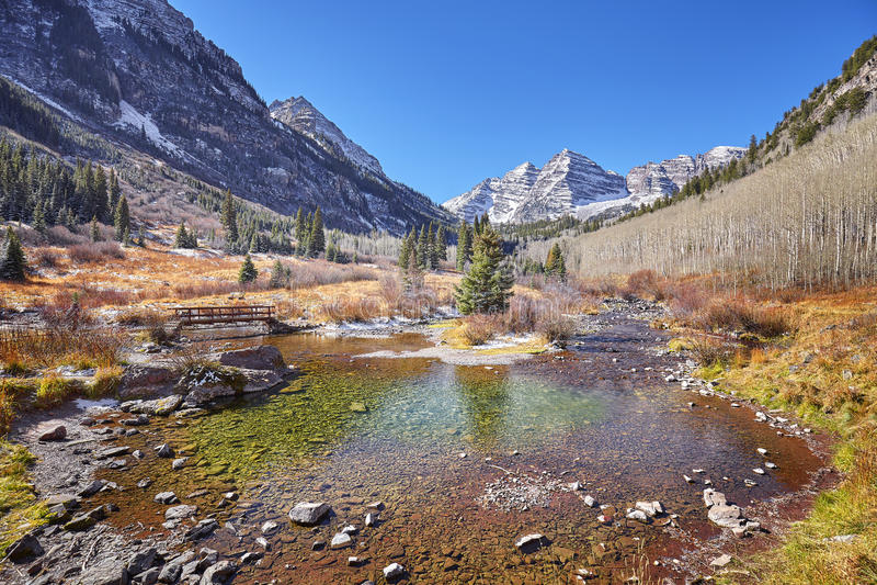褐红的响铃山秋天风景,科罗拉多,美国 免版税库存图片