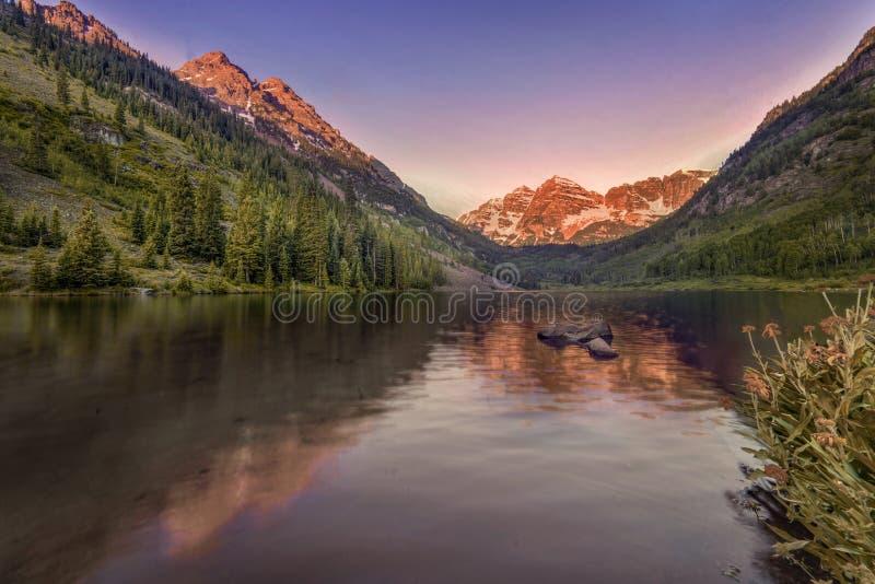 褐红的响铃日出,亚斯本,科罗拉多,美国 免版税图库摄影