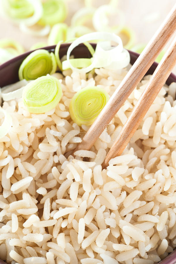 褐色煮熟的米 图库摄影