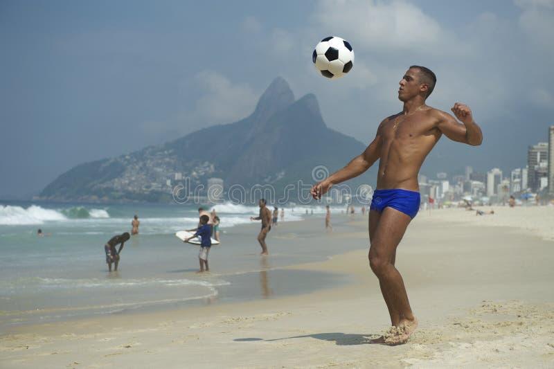 巴西人Altinho运动年轻巴西人海滩橄榄球 库存照片
