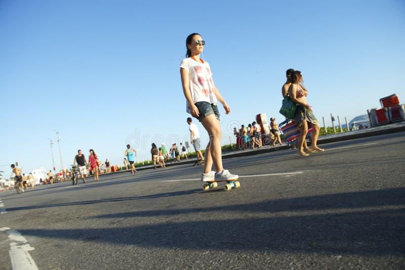 巴西妇女溜冰板者里约热内卢巴西 库存照片