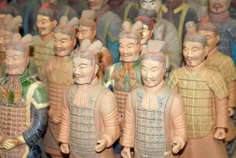 西安,中国- 2014年6月5日:赤土陶器战士被绘的图  库存照片