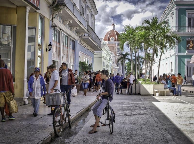 西恩富戈斯步行街道,古巴 免版税库存图片