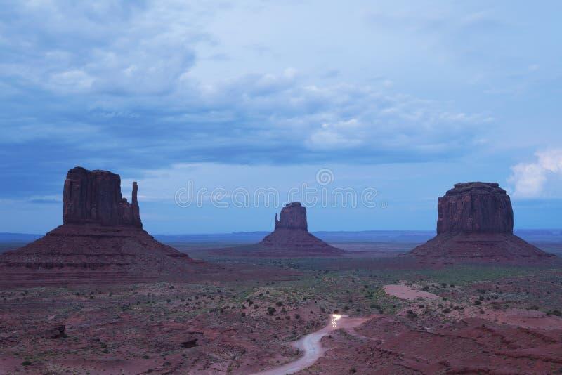西方和东部手套小山和梅里克的小山在晚上 免版税库存照片
