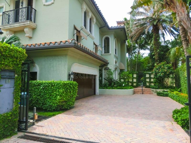 西棕榈海滩,佛罗里达2018年5月-7 :在棕榈滩,佛罗里达,美国的中心 免版税图库摄影