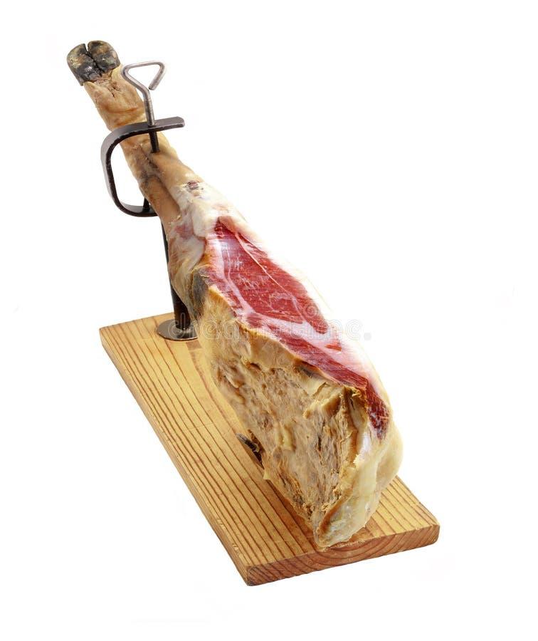 西班牙利比亚火腿 火腿在serrano西班牙白色的查出的jamon 免版税图库摄影