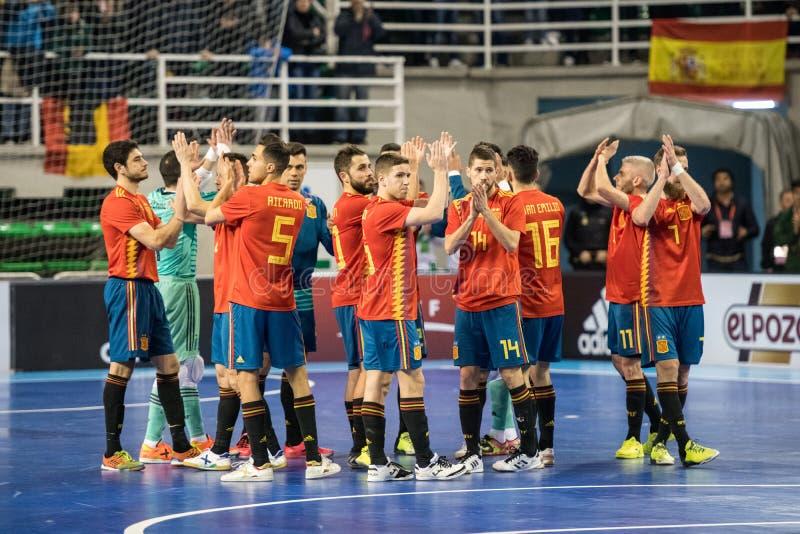 西班牙和巴西的国家队室内footsal比赛卡塞里斯Multiusos亭子的  库存照片