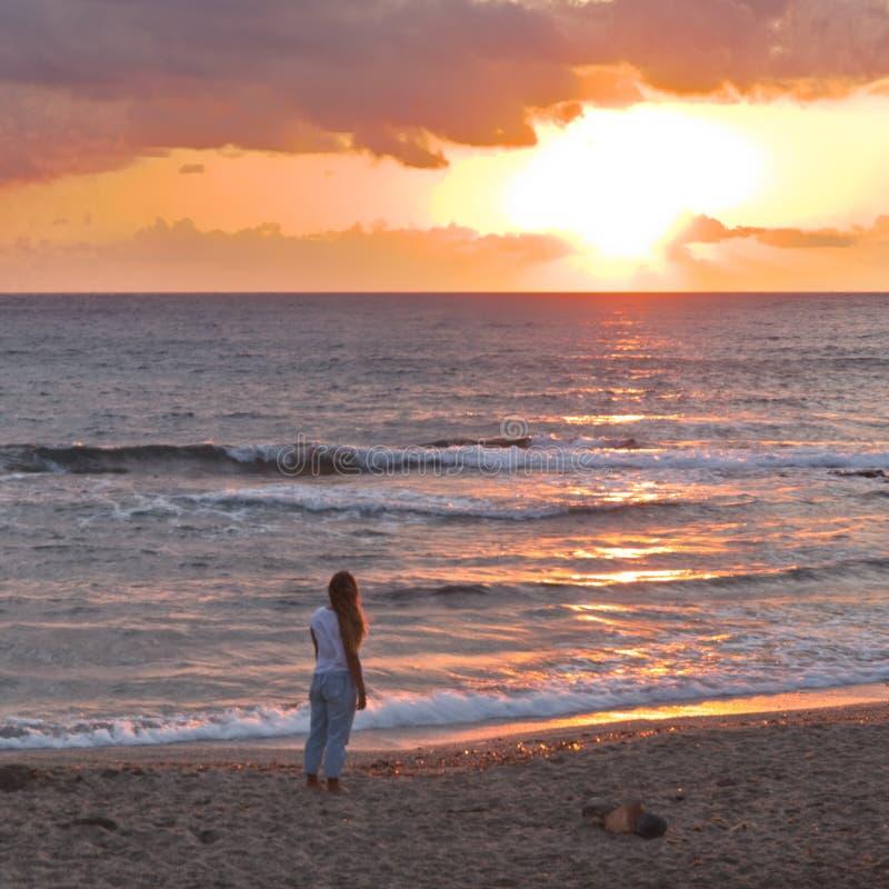 西班牙安达卢西亚阿尔梅里亚尼哈尔的日出日落 免版税库存图片