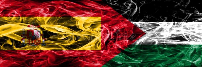 西班牙对巴勒斯坦肩并肩被安置的烟旗子 厚实的colore 库存图片