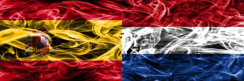 西班牙对肩并肩被安置的荷兰烟旗子 厚实的colo 库存图片