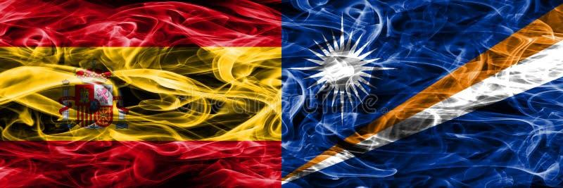 西班牙对马绍尔群岛肩并肩被安置的烟旗子 浓厚 库存照片