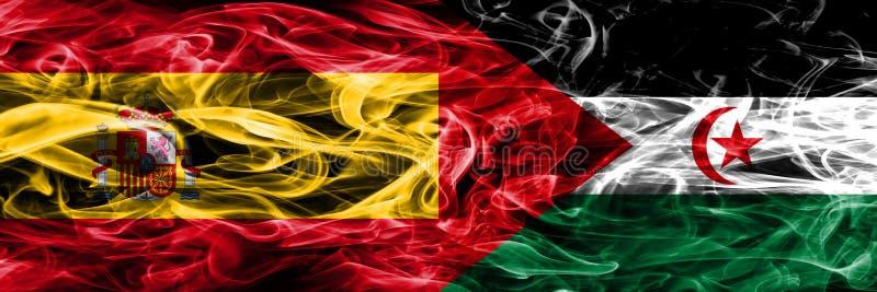 西班牙对Sahrawi肩并肩被安置的烟旗子 浓厚上色 库存图片