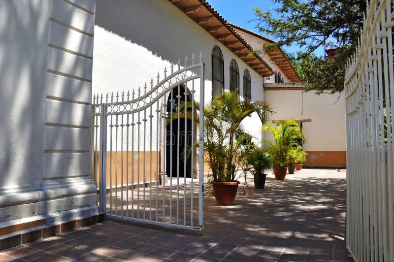 西班牙样式庭院 库存照片