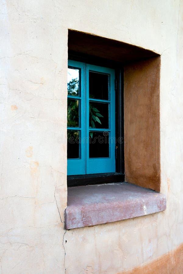 西班牙样式建筑学议院窗口 库存照片