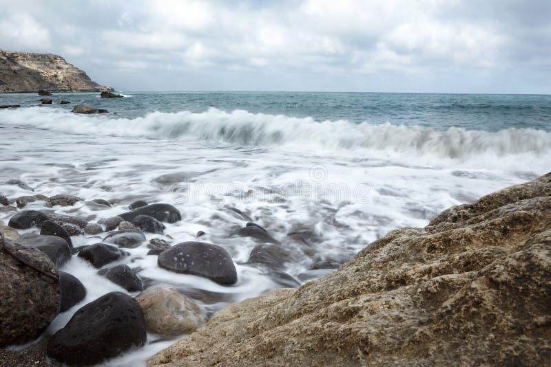 西班牙海滩丝毫波浪 库存图片