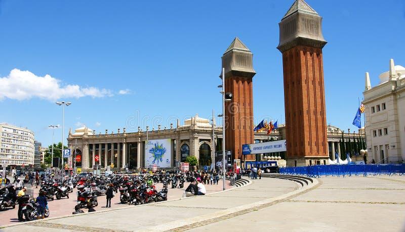 西班牙的正方形的视域有威尼斯式塔的 库存照片