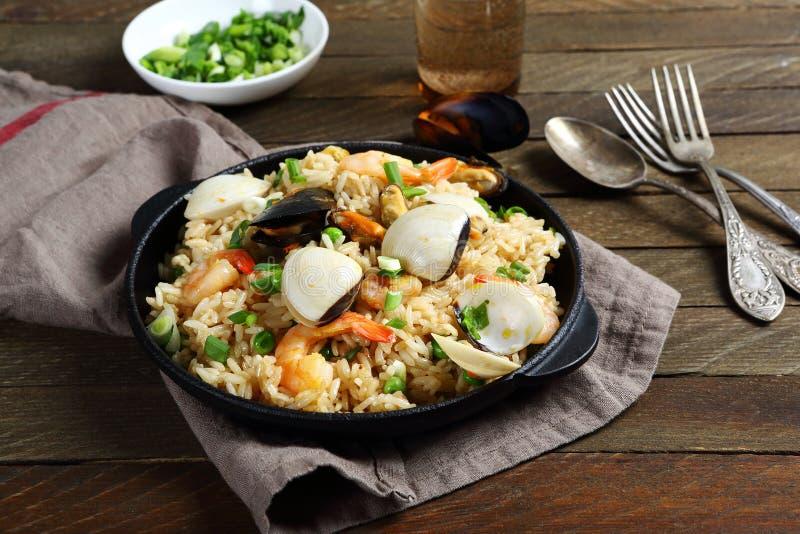 西班牙肉菜饭用海鲜和香料 免版税库存图片