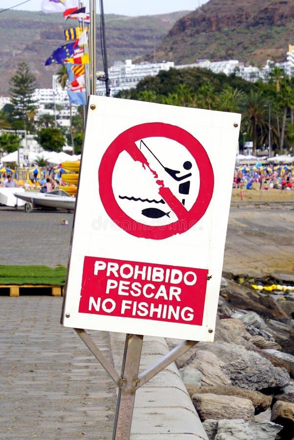西班牙语没有钓鱼禁止标志 库存图片