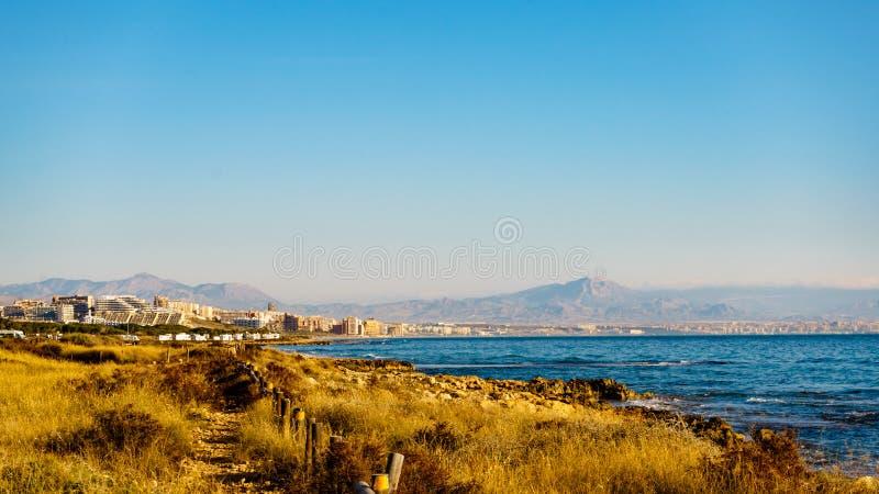 西班牙阿利坎特市沿海景观 免版税库存照片