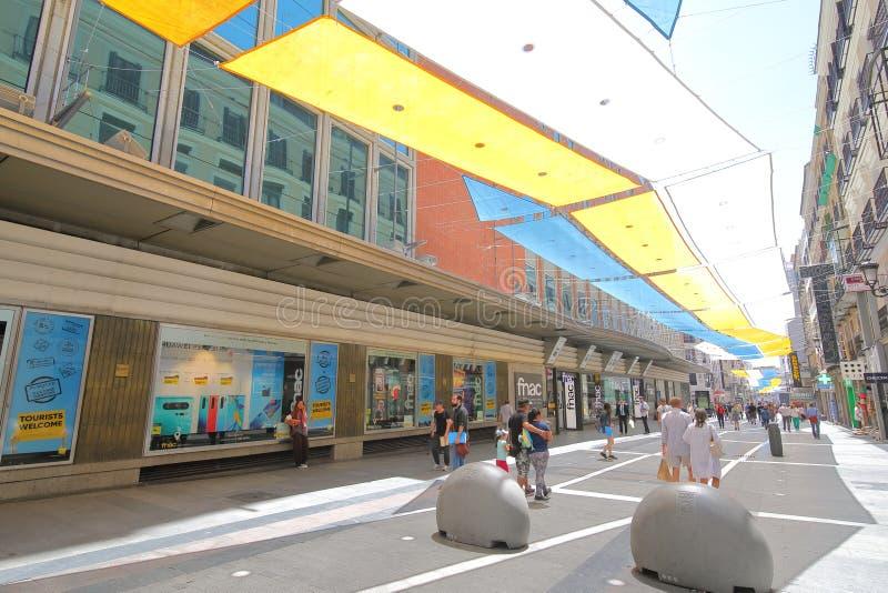 西班牙马德里凯勒普雷沙多斯购物街。人们可以参观西班牙马德里凯勒普雷沙多斯购物街 免版税库存图片
