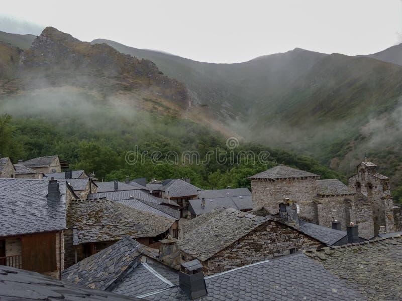 西班牙,利昂, PENALBA DE圣地亚哥,美丽的山村 库存图片