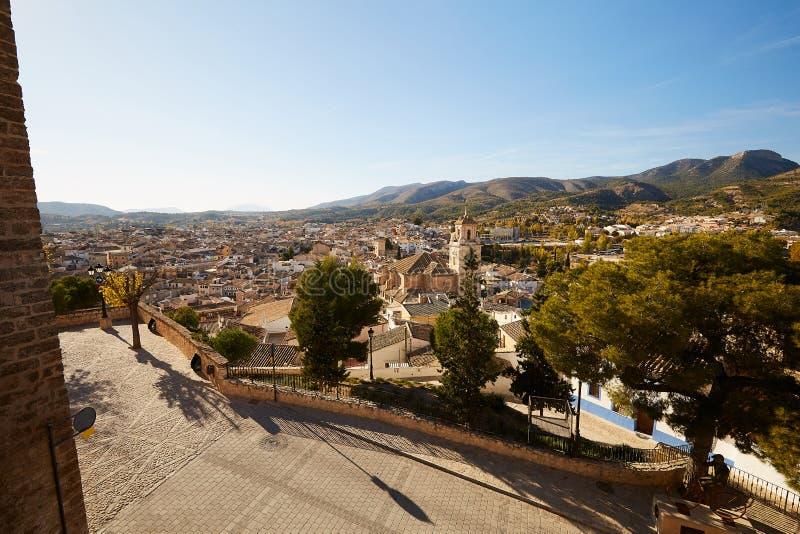 西班牙,卡拉瓦卡 — 2017年11月17日:西班牙穆尔西亚附近朝圣地卡拉瓦卡德拉克鲁兹全景 免版税库存图片