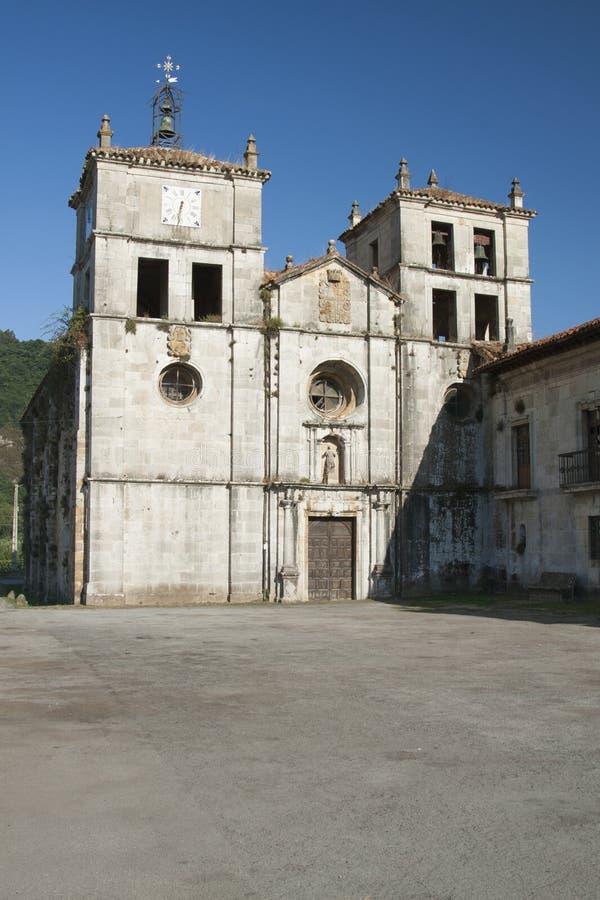 西班牙,阿斯图里亚斯, Cornellana,修道院教会 库存图片