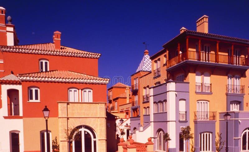 西班牙:Colourfull议院在赫雷斯城市 免版税图库摄影