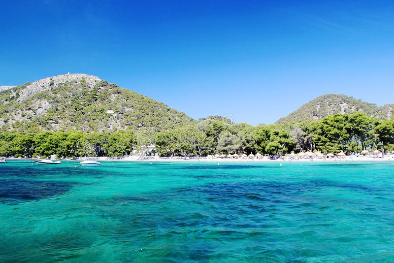 西班牙 de majorca palma 地中海大海  在海滩的意想不到的看法 库存照片