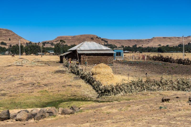 西米昂山的一个小的村庄在埃塞俄比亚北部 免版税库存图片