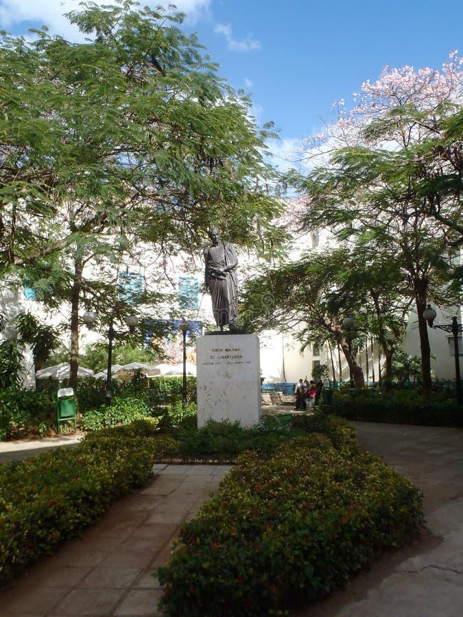 西蒙・波利瓦雕象在老哈瓦那 免版税库存照片