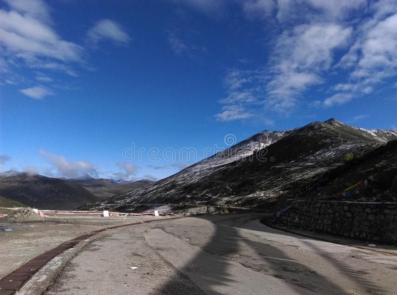 Download 西藏风景 库存照片. 图片 包括有 的treadled, 天空, beautifuler, 采取, 西藏 - 72361890