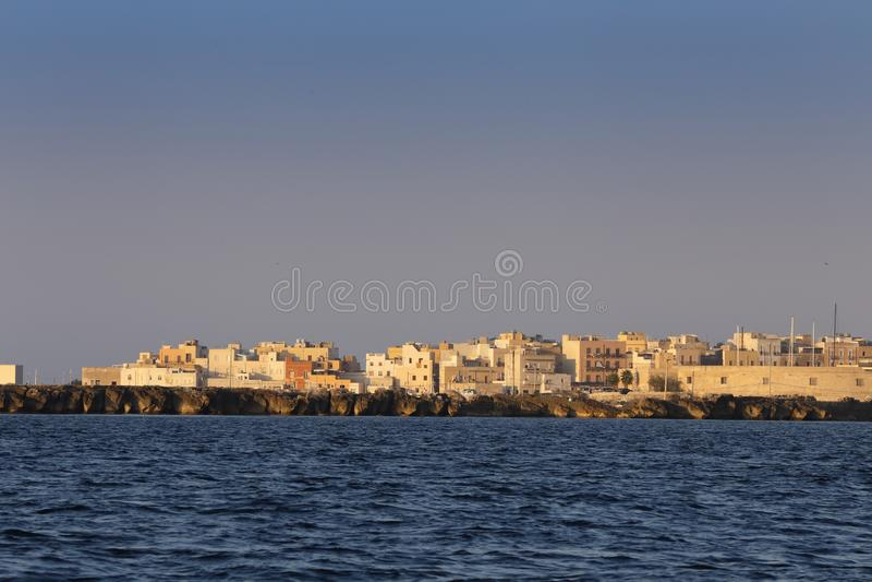 西西里岛和西西里岛之间的特拉帕尼市 图库摄影
