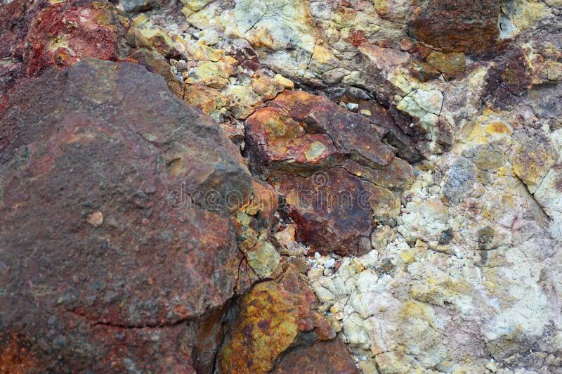 西西里岛Vulcano岛火山岩和矿藏 库存照片