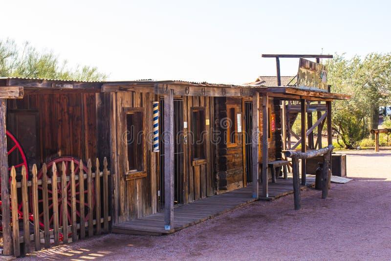 西部商店前面在亚利桑那沙漠 库存图片