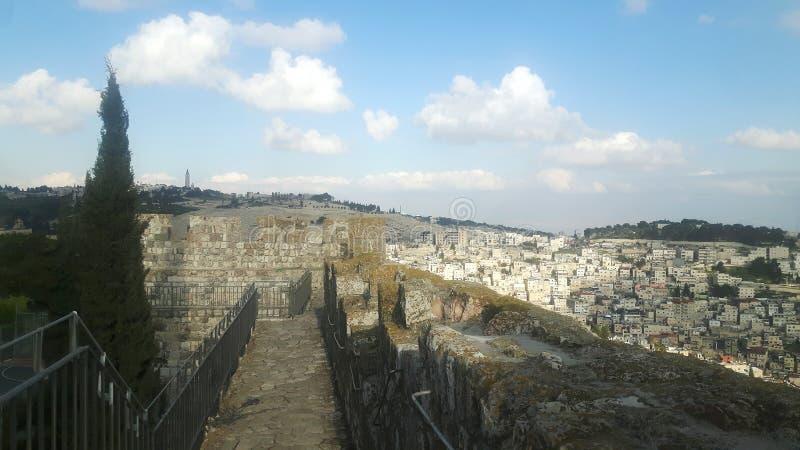 西部墙壁和东耶鲁撒冷被看见的feom城市墙壁 免版税库存照片