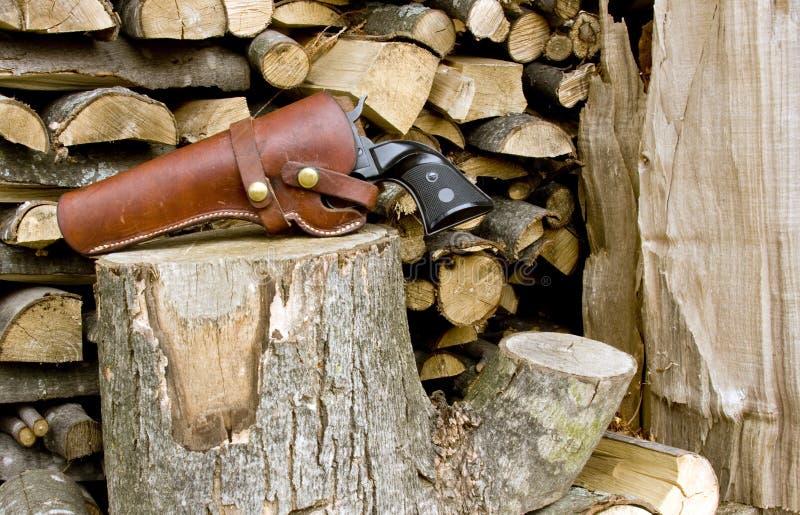 西部手枪皮套的左轮手枪 免版税库存图片