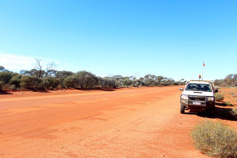 西部澳大利亚人在内地路轨道 免版税库存图片