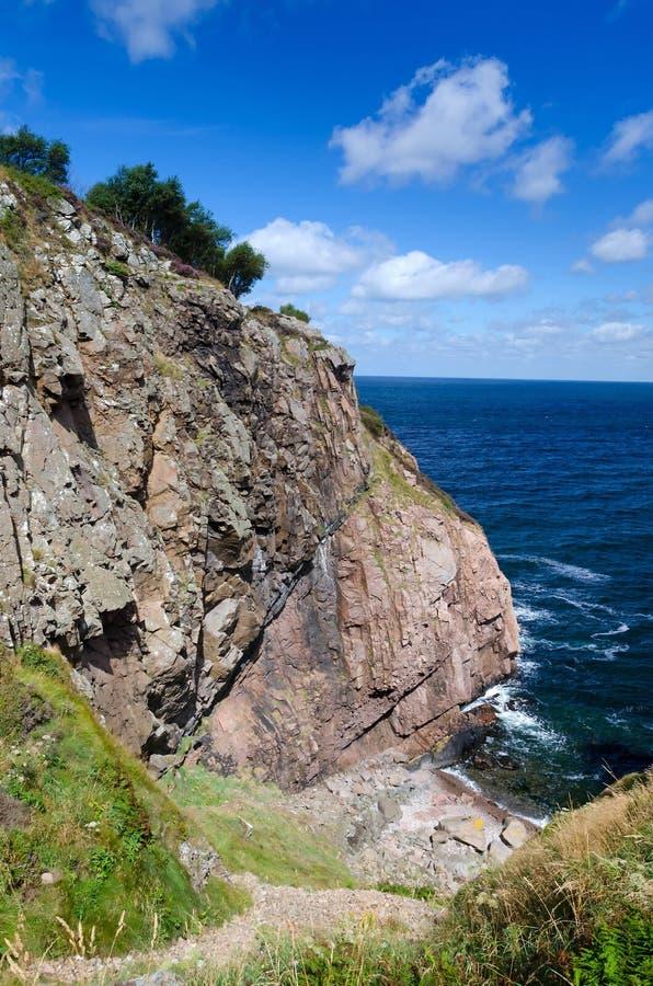 西部瑞典海岸的岩石断层块 免版税图库摄影