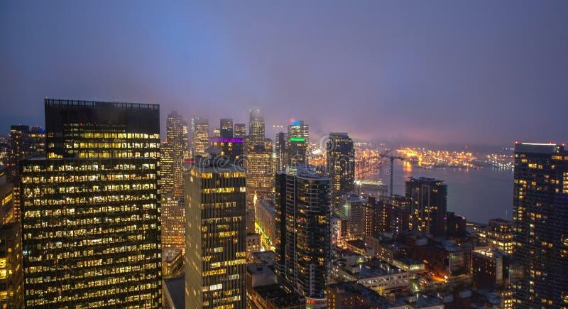西雅图在黄昏的市地平线 街市西雅图都市风景 免版税图库摄影