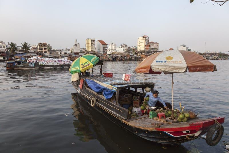 西贡河的船民 图库摄影