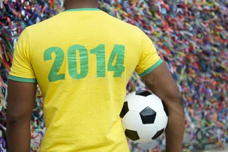 巴西2014年足球足球运动员萨尔瓦多愿望丝带 免版税图库摄影